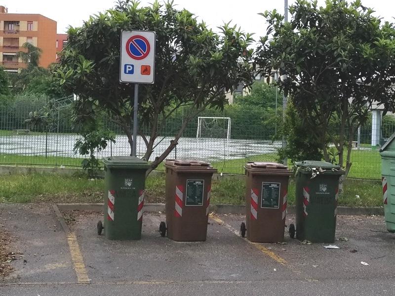 Via U. Maddalena, parcheggio disabili